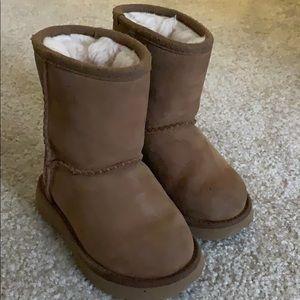 Ugg kids chestnut boot size 7